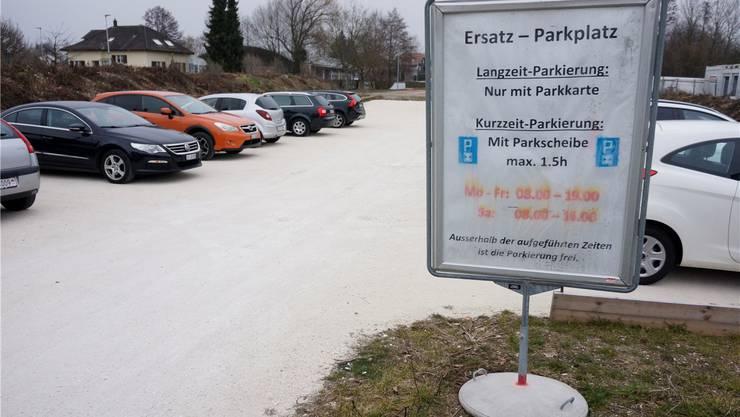 Aus dem Provisorium wird ein befestigter Parkplatz.