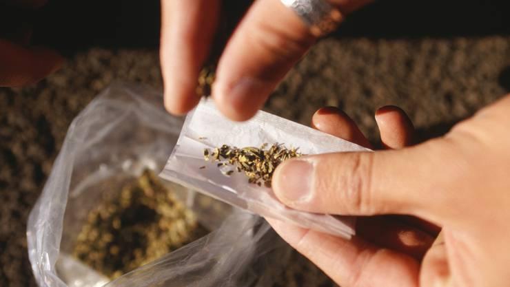 Auch im Kanton Solothurn bleiben Cannabis-Besitzer jetzt ungestraft (Symbolbild)