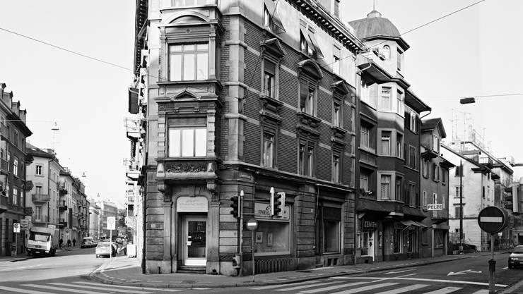 Fünf Strassen kommen an der Ecke Anker-/Zweierstrasse zusammen und verbinden Bauten aus diversen Epochen.