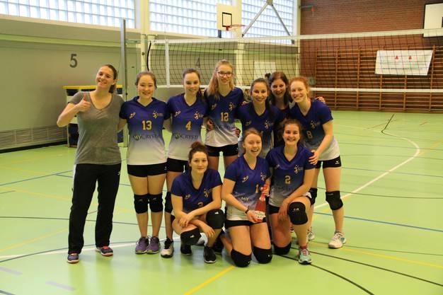 Die Juniorinnen U19 feier den Ligameistertitel U19 4. Liga.
