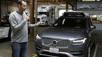 Uber-Startentwickler Anthony Levandowski wird beschuldigt, bei seinem früheren Arbeitgeber Waymo vertrauliche Daten heruntergeladen zu haben. In einem laufenden Prozess macht nun auch Uber Druck auf Levandowski. (Archiv)