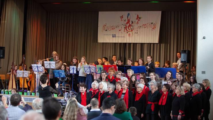 Musikschule, Jubichor und Musikgesellschaft Ehrendingen Fotos: KLF