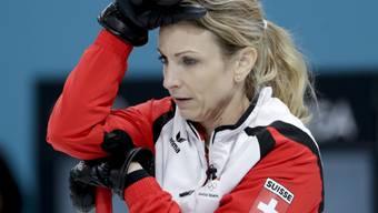 Silvana Tirinzoni muss sich an der WM manchmal den Kopf zerbrechen