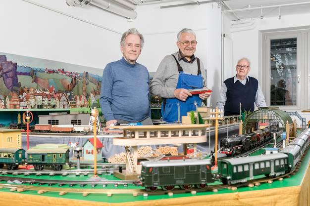 Seit 25 Jahren präsentieren sie ihre aus Weissblech bestehenden Eisenbahnen im Schweizer Kindermuseum in Baden.