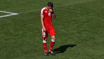 Granit Xhaka verschiesst seinen Penalty gegen Polen.