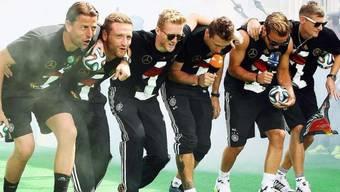 Deutsche Nationalspieler machen den «Gaucho-Tanz»