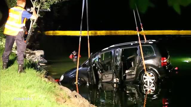 Vater rettet Kinder aus sinkendem Auto