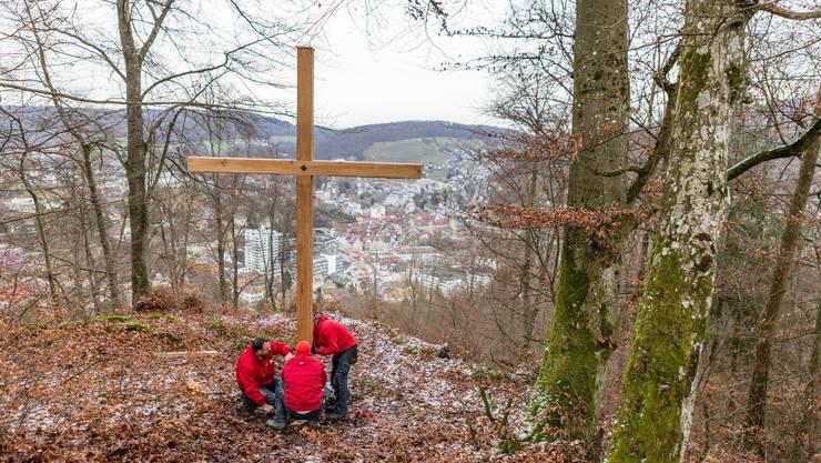 Im Dezember 2017 wurde das Kreuz aufgestellt.