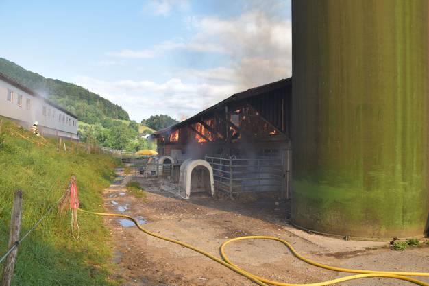 Der Brand konnte unter danach unter Kontrolle gebracht werden.
