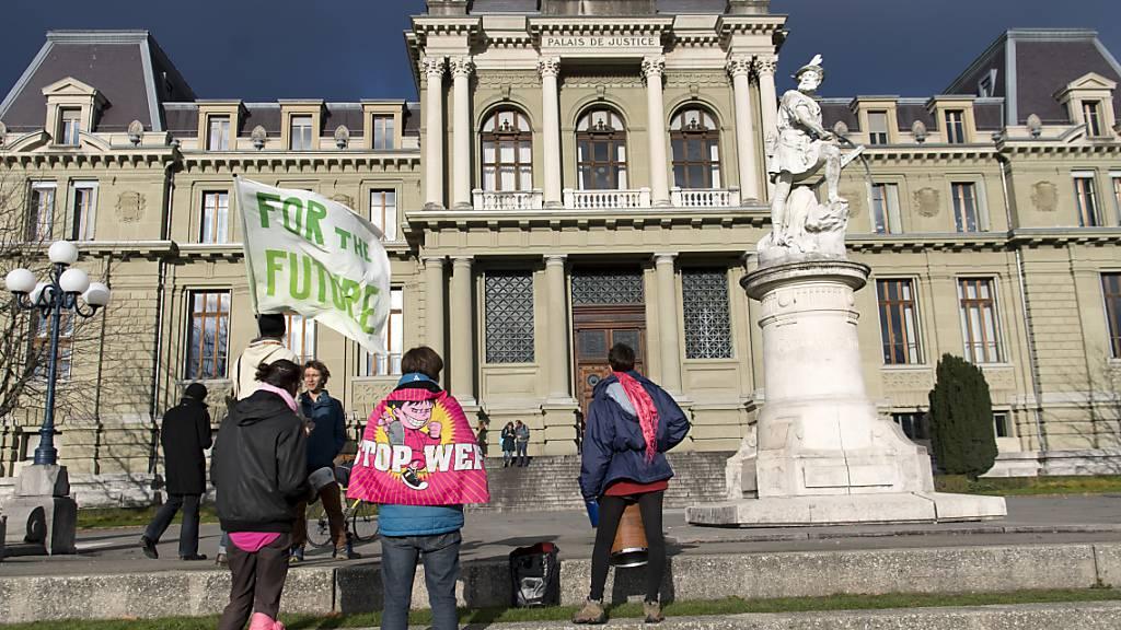 Freispruch für zwölf Klimaaktivisten widerrufen