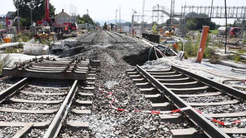 An der Baustelle des Bahntunnels bei Rastatt senkten sich vor zwei Jahren die Gleise ab. Die Bahnstrecke war danach während sieben Wochen gesperrt. Zur Stabilisierung wurde Tunnel auf 150 Metern mit Beton gefüllt. (Archivbild)