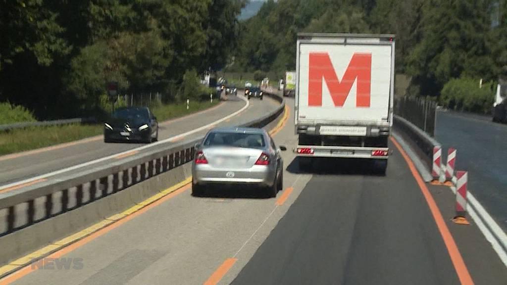 Vorsicht auf der Überholspur: Lastwagenfahrer sehen rot