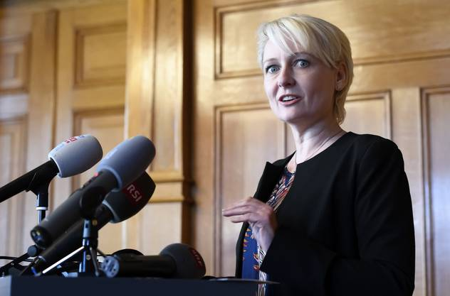 Nationalratspräsidentin Isabelle Moret (FDP, VD) hat am Freitag über den Entscheid des Nationalratsbüros informiert.