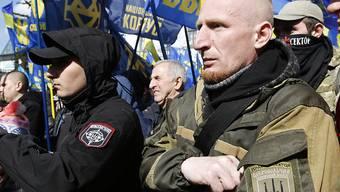Ukrainische Nationalisten demonstrieren in Kiew gegen die Staatsführung.