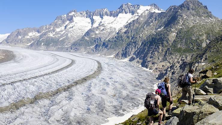 Bei Umsetzung des Klimaschutzabkommens liessen sich 30 Prozent des Schweizer Eisvolumens retten: Blick auf den Aletschgletscher.