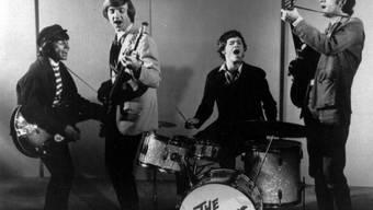 """Der Bassist der Band """"The Monkees"""", Peter Tork (zweiter von links), ist im Alter von 77 Jahren gestorben. (Archivbild)"""
