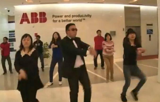 Chinesische ABB-Angestellte tanzen den «ABB Style»