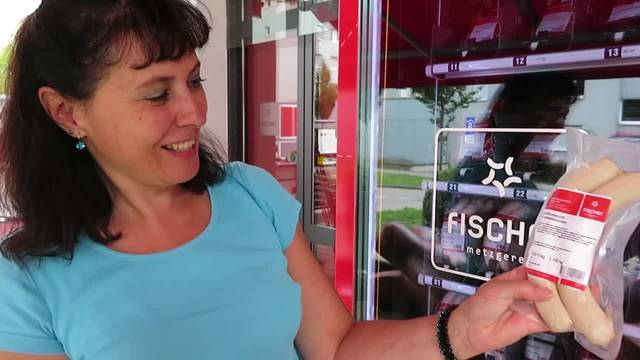 SZ-Redaktorin Rahel Meier testet die «Metzger-Box» in Langendorf