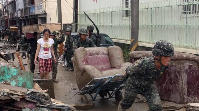 "Aufräumarbeiten in Taiwan - doch Taifun ""Tembin"" soll zurückkommen"