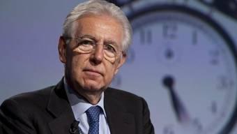 Will in einer weiteren Amtszeit weitere Reformen anpacken: Mario Monti (Archiv)