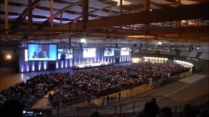 Über 3000 Aktinäre nahmen am 23. Mai an der Generalversammlung des Uhrenkonzerns Swatch in Grenchen teil.