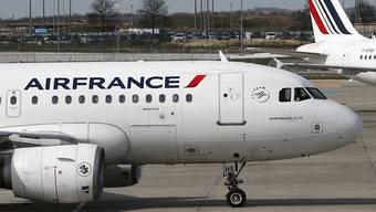 Viele Air-France-Maschinen blieben in letzter Zeit am Boden (Aufnahme vom Flughafen Paris Charles de Gaulle).