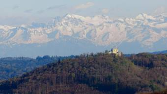 Sälischlössli mit Alpenpanorama