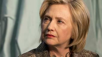 Noch tausende Seiten aus dem E-Mail-Verkehr der demokratischen Präsidentschaftskandidatin Hillary Clinton sollen noch folgen