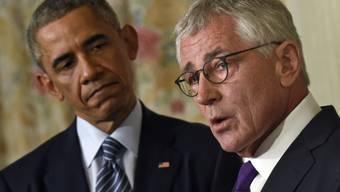 Barack Obama und Chuck Hagel am Montag vor den Medien