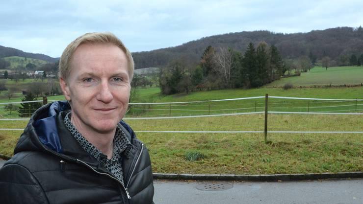 Stephan Gieseck kämpft per Referendum gegen die Zonenordnung «Zone 2R». Will heissen: Er möchte, dass maximal zwei Wohneinheiten pro Parzelle erlaubt sind statt deren fünf.
