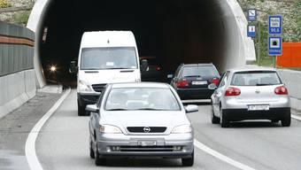 Der Chienbergtunnel (Bild) und der Schönthaltunnel sollen während der Arbeiten tagsüber für den Verkehr gesperrt werden.