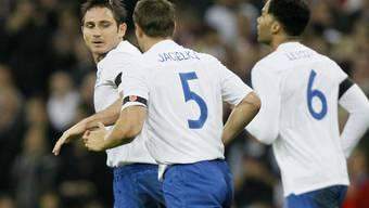 Frank Lampard (l.) führte England zum Sieg über den Weltmeister