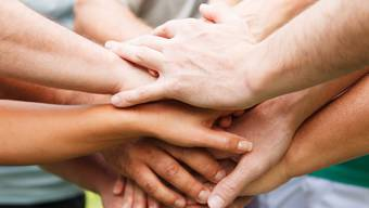Aus Selbsthilfe-Gruppen werden manchmal echte Freundeskreise, die sich in guten wie auch in schlechten Zeiten unterstützen.