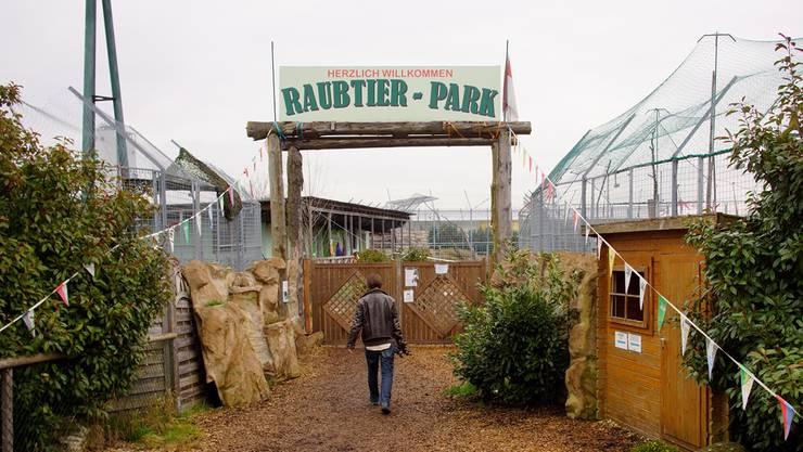 René Stricklers Raubtiere verlassen bald Subingen. Auf der grossen Wiese soll nun ein Dinosaurier-Park entstehen. (Archivbild)