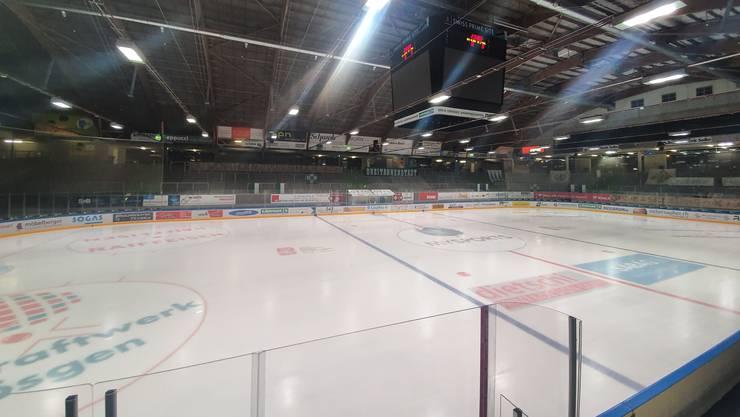 Keine Zuschauer im Eisstadion Kleinholz rund eine Stunde vor Matchbeginn.