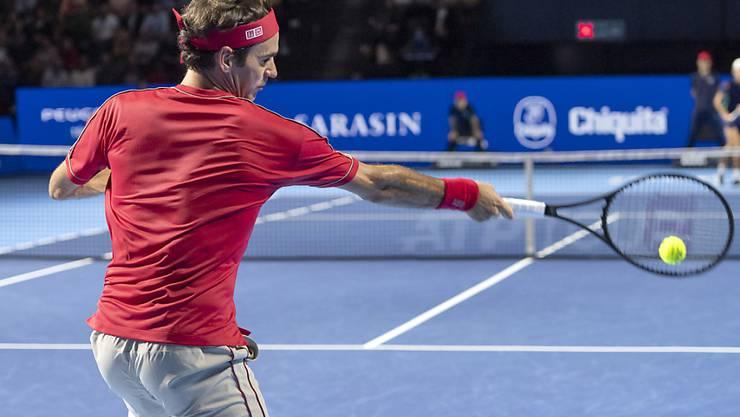 Roger Federer diktiert das Geschehen auch im Final gegen Alex de Minaur nach Belieben