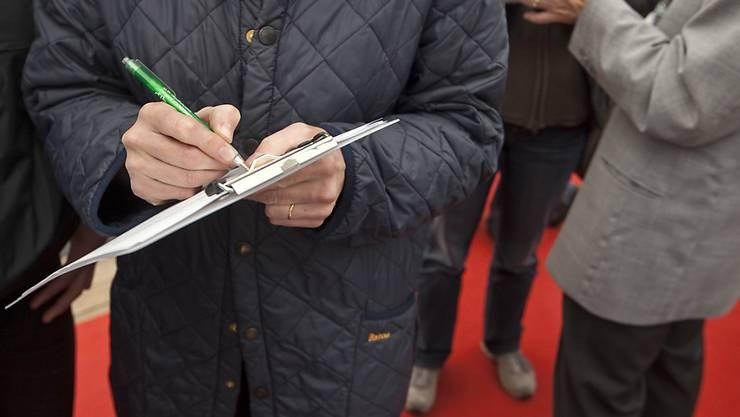 1430 Unterschriften wurden für das Referendum gesammelt, 995 sind erforderlich. (Symbolbild)