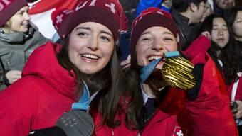 Mathilde Gremaud (links) und Sarah Höfflin landeten am Mittwochabend in Kloten