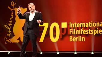 Berlinale-Moderator Samuel Finzi bei der Eröffnung der Filmfestspiele am Potsdamer Platz.