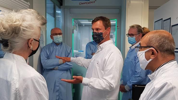 Regierungsrätin Carmen Walker Späh besucht die Firma Optotune im Dietiker Reppischhof. (Archivbild)