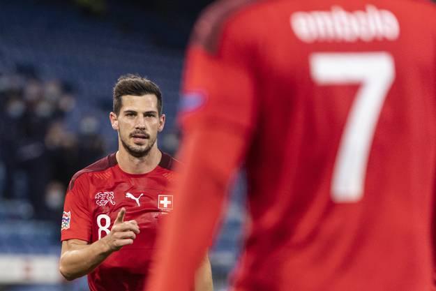 Torschütze bedankt sich bei Assistgeber: Remo Freuler spielte sich gegen Spanien erneut in den Vordergrund.