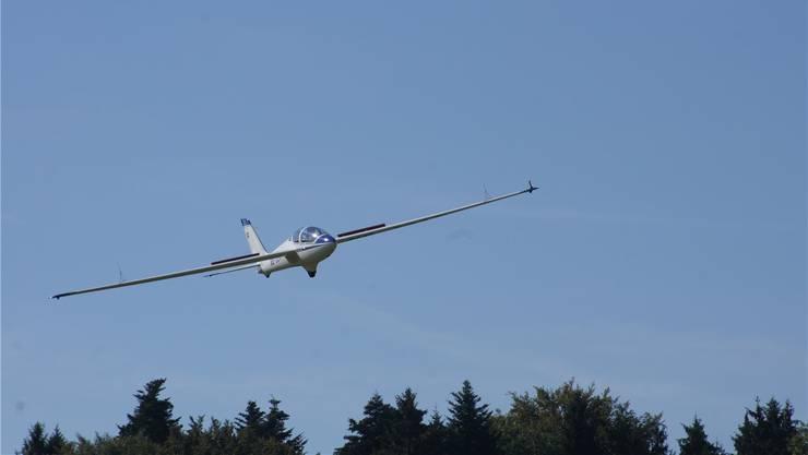 An den Segelflugmeisterschaften im Birrfeld werden Piloten aus der ganzen Schweiz erwartet.