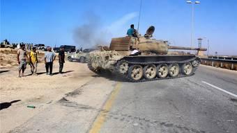 Truppen der neuen libyschen Regierung der Nationalen Einheit rücken auf Sirte vor.REUTERS