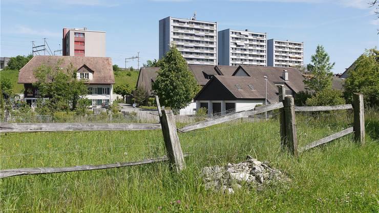 «Der Aargau ist durchgehend urbanisiert, kein Aargauer lebt mehr auf dem Land, sagt Publizist Benedikt Loderer – deshalb seies reiner Selbstbetrug, wenn der Aargau sich als Landkanton bezeichne. Daniela Valentini