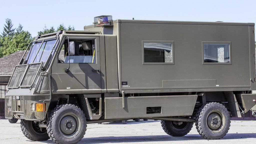 Umbauten für 558 Millionen Franken an Duro-Lastwagen der Armee gaben im Nationalrat zu diskutieren. Der Rat entschied aber mit knapper Mehrheit, an den Anträgen des Bundesrates keine Abstriche zu machen. (Archivbild)