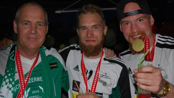 Wiler-Sportchef Marcel Siegenthaler, Topskorer Isaac Rosén und Henrik Olofsson (v.l.).