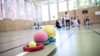 Turnhallen-Einweihung und Schweiz bewegt in Selzach