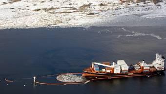 Der leckgeschlagene Frachter Godafoss vor der Küste Norwegens