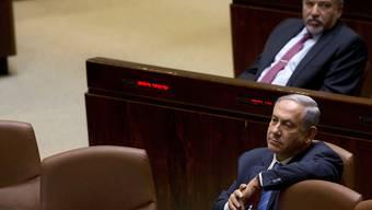 """Die drohende Auflösung des israelischen Parlaments und Neuwahlen können aus Sicht von Ministerpräsident Benjamin Netanjahu (im Bild) noch abgewendet werden. Es bleibe noch genügend Zeit, um eine """"unnötige"""" vorgezogene Neuwahl des Parlaments zu verhindern, sagte Netanjahu in Jerusalem."""