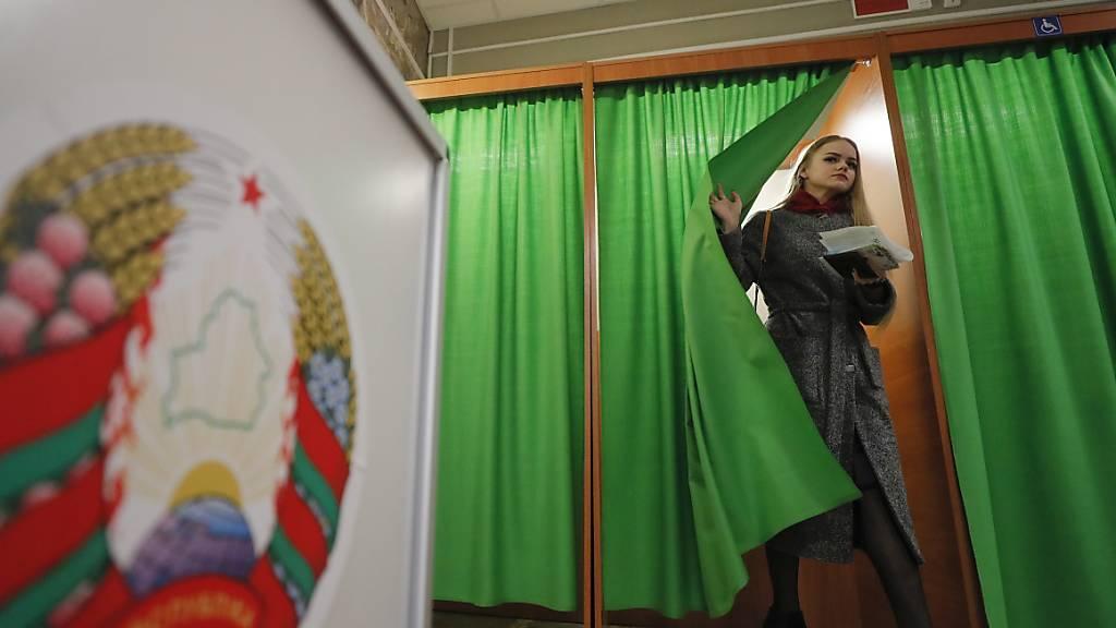Wahlbeobachter kritisieren Wahl als undemokratisch